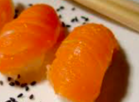 nigiri salmone avocado