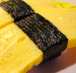 sushi con frittata giapponese