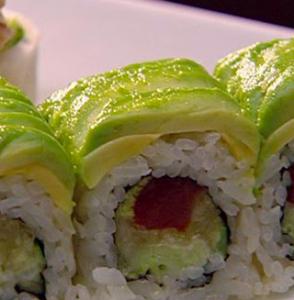 sushi tonno avocado