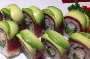 Sushi tonno e asparagi